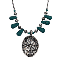MNA-170,Green Onyx Drops With Small Stone Beads & Silver Beads Silver Oxidised Flower Pandle Necklace,Nickel Free-a