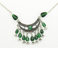 MNA-1108,Moon Sajai Pandle Green Glass Stone Brass Silver Plated Chain Necklace,Nickel Free-a