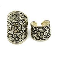 MRA-345,Flowers Silver Oxidised Large & Medium Finger Ring-a