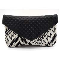 MBaA-1919,Wavy Leather Clutch-a